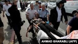 یکی از بازداشتشدگان روز دوشنبه، زنی است که در نزدیک بیتالمقدس پس از سرپیچی از دستور توقف با بستهای انفجاری در خودروی خود به یک پلیس راه اسرائیلی حمله کرد.