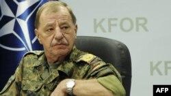 Komandanti i KFOR-it, Erhard Drevs