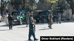 نیروهای امنیتی در محل انفجار کابل