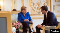 Анґела Меркель, Емманюель Макрон, архівне фото