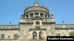 """Одна из старейших больниц в Латинской Америке Hospicio Cabañas, Гвадалахара, Мексика. Основана в 1791 году. Фото <a href = """"http://en.wikipedia.org/wiki/Image:Hospicio_Caba%C3%B1as.JPG"""" target=_blank>patrick.denizet.</a>"""