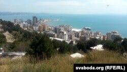 Партовы горад Дурэс — другі па велічыні ў Альбаніі і галоўны пляж краіны