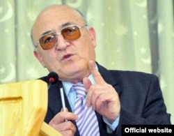 Рашид Ғанӣ Абдулло, таҳлилгари тоҷик.