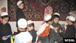 """Воспитанники детского дома """"Парзант"""". Алматы, 24 сентября 2008 года."""