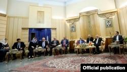 Iran - First Vice President Eshaq Jahangiri meets with Armenian Prime Minister Hovik Abrahamian and six Armenian ministers, Tehran, 20Oct2014.