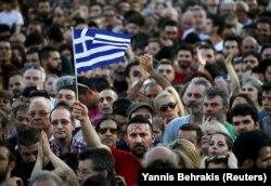 Сторонники и противники соглашения с кредиторами митинговали накануне референдума