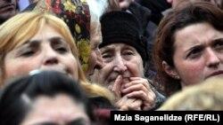 """Выступавшие перед собравшимися на проспекте Руставели лидеры """"Нацдвижения"""" эмоционально рисовали светлое будущее своей политической партии"""