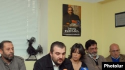 "Armenia -- Armenian editors voice support for Nikol Pashinian, jailed editor of ""Haykakan Zhamanak"" daily, Yerevan, 18Nov2010"