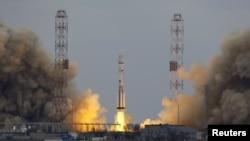 Российская ракета-носитель «Протон-М» с межпланетной научной станцией ExoMars стартует с Байконура. 14 марта 2016 года.