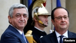 Президенты Армении Серж Саргсян и Франции Франсуа Олланд на встрече в Елисейском дворце, Париж, 8 марта 2017 года.