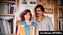 Началото на 80-те, Мюнхен. Цветан Марангозов с дъщеря си Яна