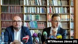 Brenzovics László, a KMKSZ elnöke és Szijjártó Péter külügyminiszter Beregszászon 2019-ben