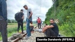 Migranti u Bosanskoj Otoci, na punktu