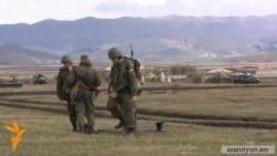 Գյումրիում քննարկում են ռուսական բանակում ծառայելու Պուտինի հայտարարությունը
