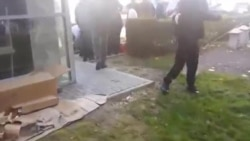 Deputetët alivanosen nga gazi lotsjellës