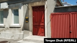 Старинные двери дома №5