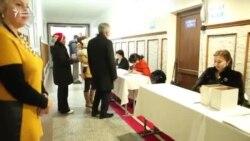 Омуркулов и Текебаев проголосовали