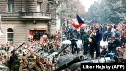 """Чехославаки, 1968 шо, """"Прагин БIаьсте"""", Советан Iедало махканна йинчу оккупацина дуьхьаллаьтта бахархой."""