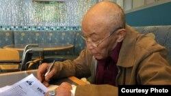 Власти Узбекистана никак не интересовались состоянием здоровья народного поэта, автора государственного гимна Узбекистана.