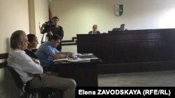 Так как не все свидетели явились в суд, заседание отложили до следующего вторника