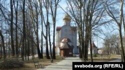 На замчышчы збудавалі царкву, асноўнае месца ў якой адведзена забітаму бальшавікамі Мікалаю II і ягонай сям'і. Сам Мікалай II залічаны да сьвятых
