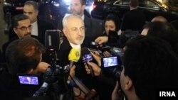 محمد جواد ظریف در هنگام ورود به بروکسل با خبرنگاران گفتوگو کرده است