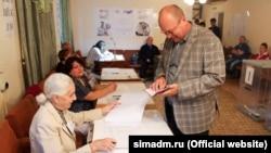 Crimeea - Primarul din Simferopol Baharev la vot ,18 sep 2016