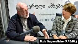 Звиад Коридзе и Эка Гигаури в тбилисской студии Радио Свобода (архивное фото)