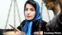 نسرین ستوده، فعال حقوق بشر و وکیل مدافع، شش سال است که در زندان اوین محبوس است.