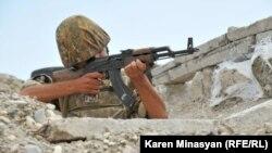 ԼՂ ՊԲ զինծառայողը Մատաղիսի դիրքերում, արխիվ