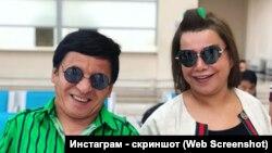 Юморист Обид Асомов сопровождает Юлдуз Усманову по ее турне по стране. Фото взято из страницы Усмановой в Instagram'е.