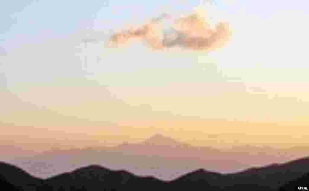 Саймалуу-Таш или расшитые камни Тянь-Шаня #12