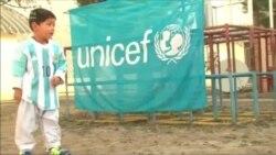 Messi 5 yaşlı əfqan fanatına forma göndərdi- [Video]