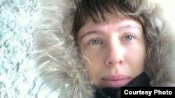 Юлия Франк, жительница села Кокпекты, признанная судом потерпевшей в результате прорыва плотины, и подавшая иск о возмещении ущерба. Карагандинская область, 2 февраля 2017 года.