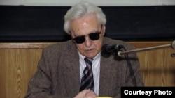 "Арон Яковлевич Гуревич. [Фото — <a href=""http://www.rsuh.ru/article.html?id=1162"" target=""_blank"">РГГУ</a>]"