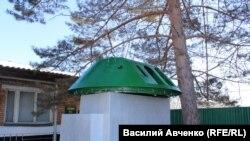 Застава имени Стрельникова. Башня БТР, пробитая во время конфликта на Даманском