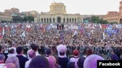 Armenia - Former President Robert Kocharian and senior members of his Hayastan (Armenia) bloc hold an election campaign rally in Yerevan's Republic Square, June 18, 2021.