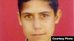 حدادی که اکنون ۲۷ سالهاست، هنگامی که ۱۵ سال داشت به اتهام قتل محمدباقر رحمت بازداشت شد. عکس آرشیوی است
