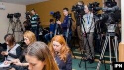 Jurnaliști la conferința de presă. Imagine generică