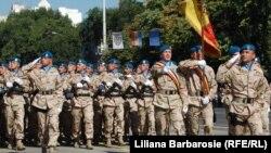 Militari moldoveni din trupele de menţinere a păcii, de Ziua Independenţei