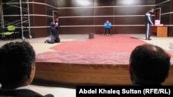 مشهد من مسرحية في دهوك