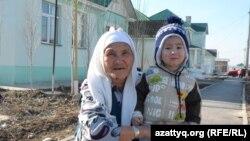 Асар шағынауданының тұрғыны Тұрдықыз Нұрматова. Шымкент, 2 наурыз 2014 жыл.