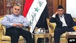 طارق الهاشمی معاون سنی مذهب رییس جمهوری عراق و عدنان الدلیمی، پیش از کنفرانس خبری در بغداد