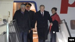 Belarus -- Russian President Vladimir Putin arrives in Minsk, February 11, 2015