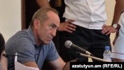 Армениянын мурдагы президенти Роберт Кочарян сотто.