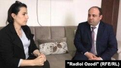 """Журналист Радио Озоди беседует с замглавы компании """"Фароз"""""""