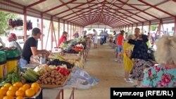 Придорожный рынок в Крыму