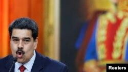 نیکلاس مادورو میگوید که آماده مذاکره است
