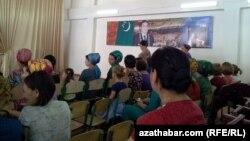 Mekdepde ene-atalaryň ýygnagy, Türkmenistan