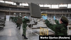 Vojska Srbije sprema privremenu bolnicu na Beogradskom sajmu, 24. mart 2020.